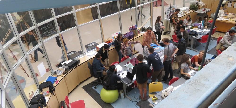 High Tech Highの新しい学校教育における授業の形式と評価